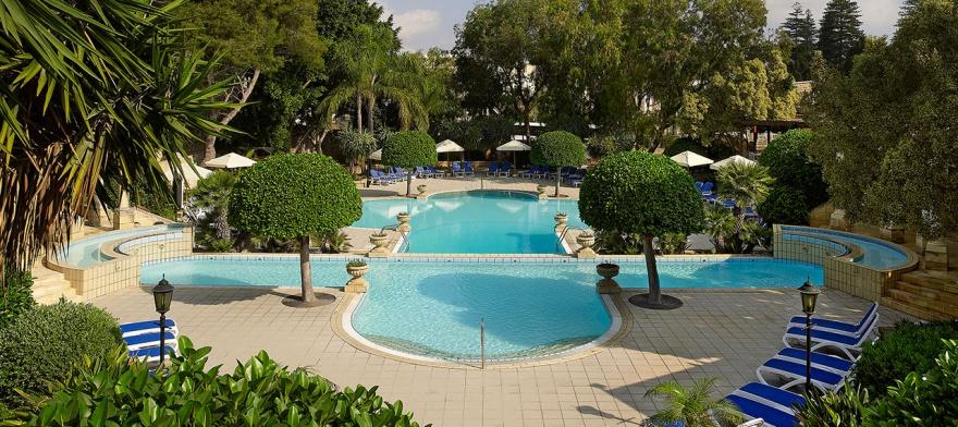 CORINTHA PALACE HOTEL